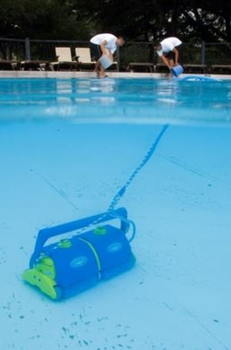 pool cleaning concord