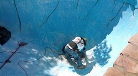 This is an image of pool drain cleaning service in walnut creek
