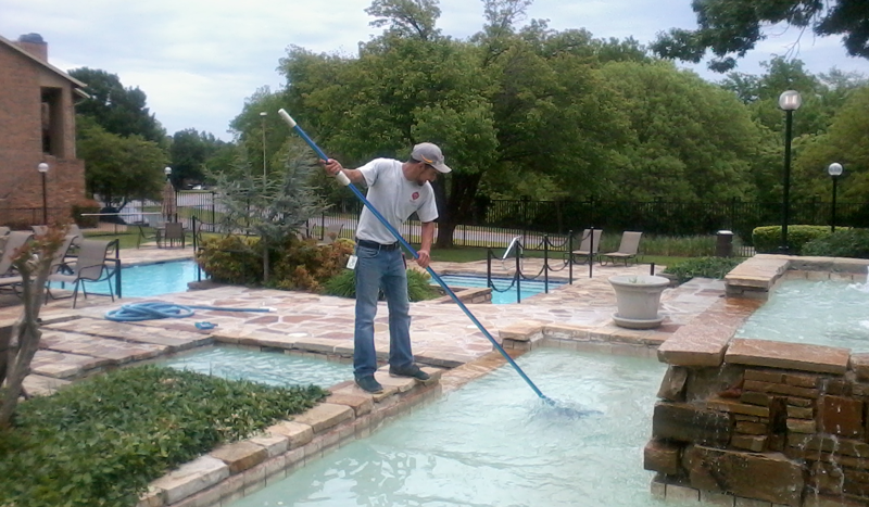 This is an image of pool cleaning and skimming service in walnut creek